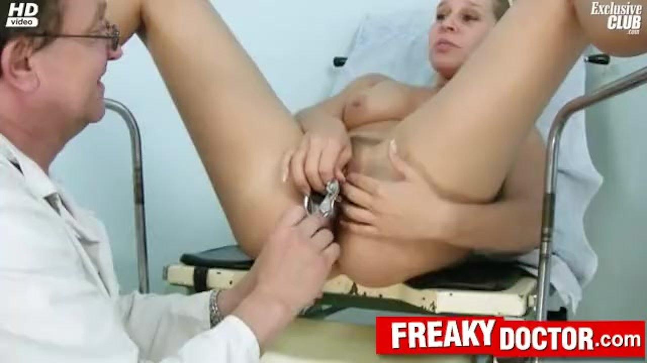 Amateur blonde Tina odd vagina exam at clinic