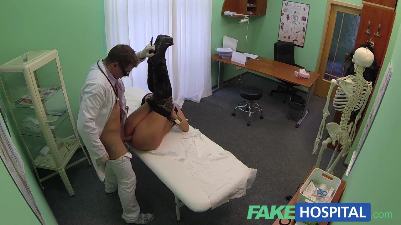 izmena-zhen-s-doktorami-video