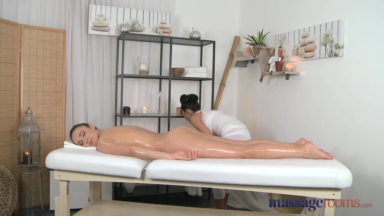 Amigas Haciendo Yoga Porn mi mejor amiga me va a dar un masaje con final feliz - lesbianas