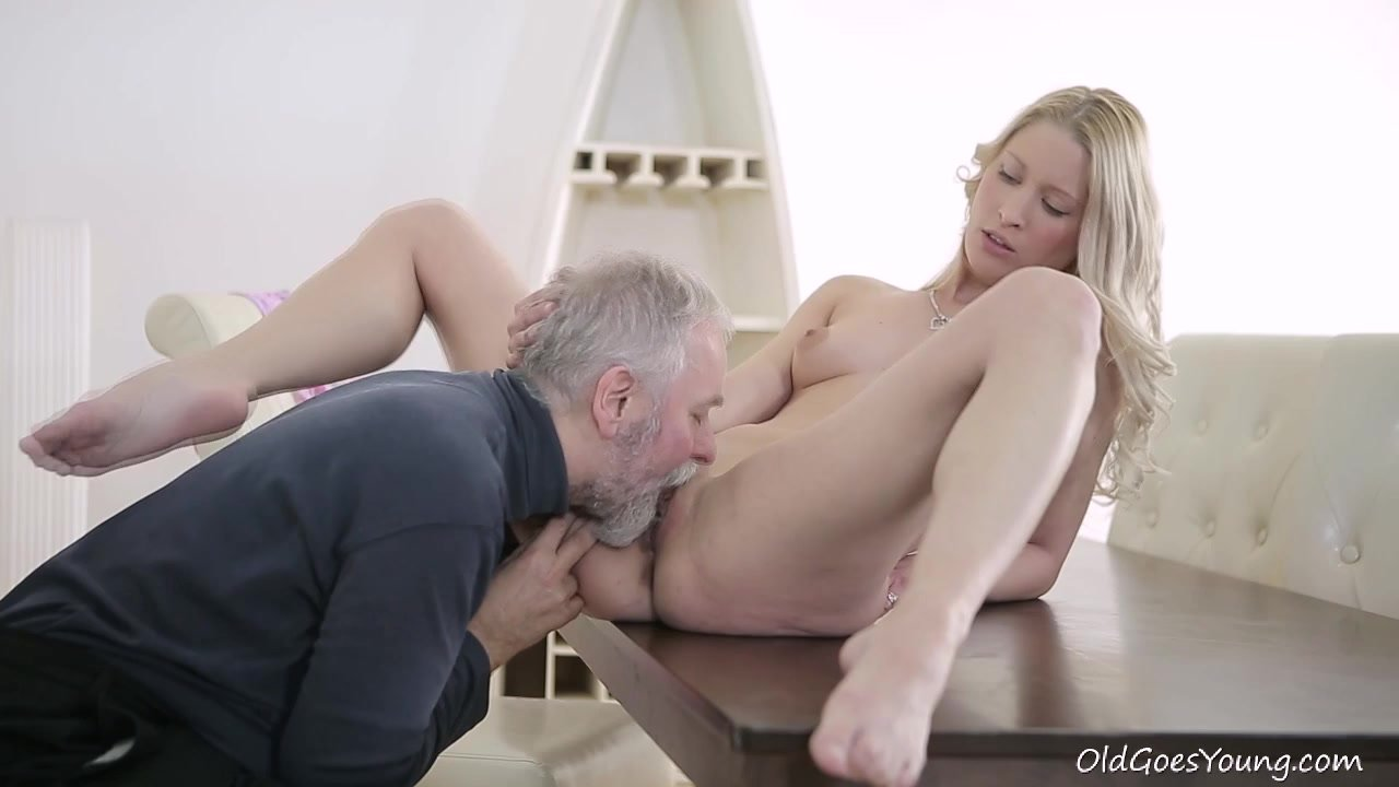 Old man lick young pussy, sexy naked lebos