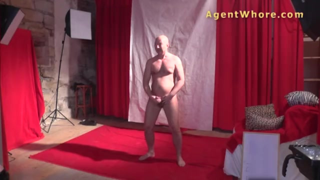 Agent Whore nasty milf gives backstage blowjob to guy