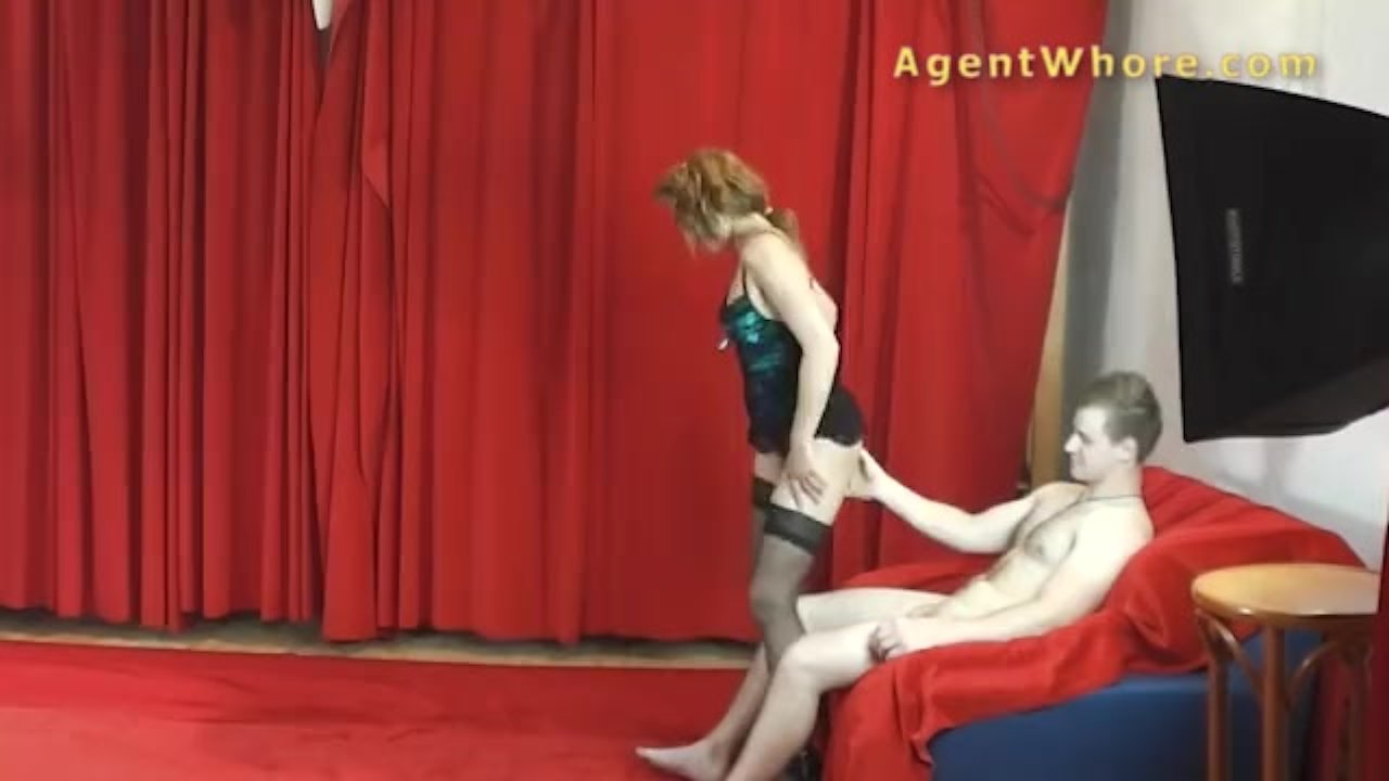 Agent Whore milf agent whore gives sexy dance to youngste