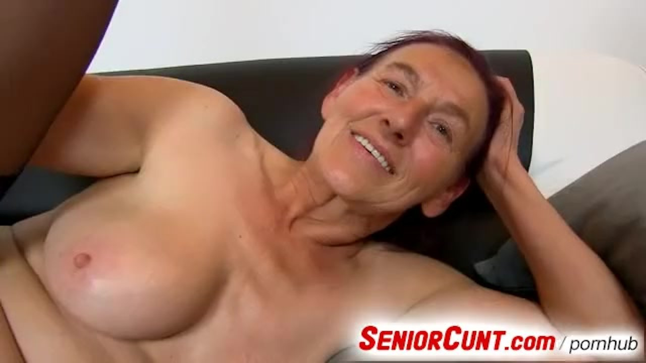Grandma Linda hairy pussy fingering up close