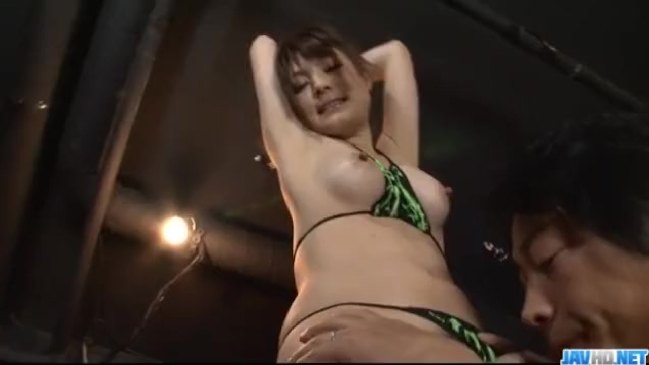 Japanese hardcore along obedient milf, Huwari