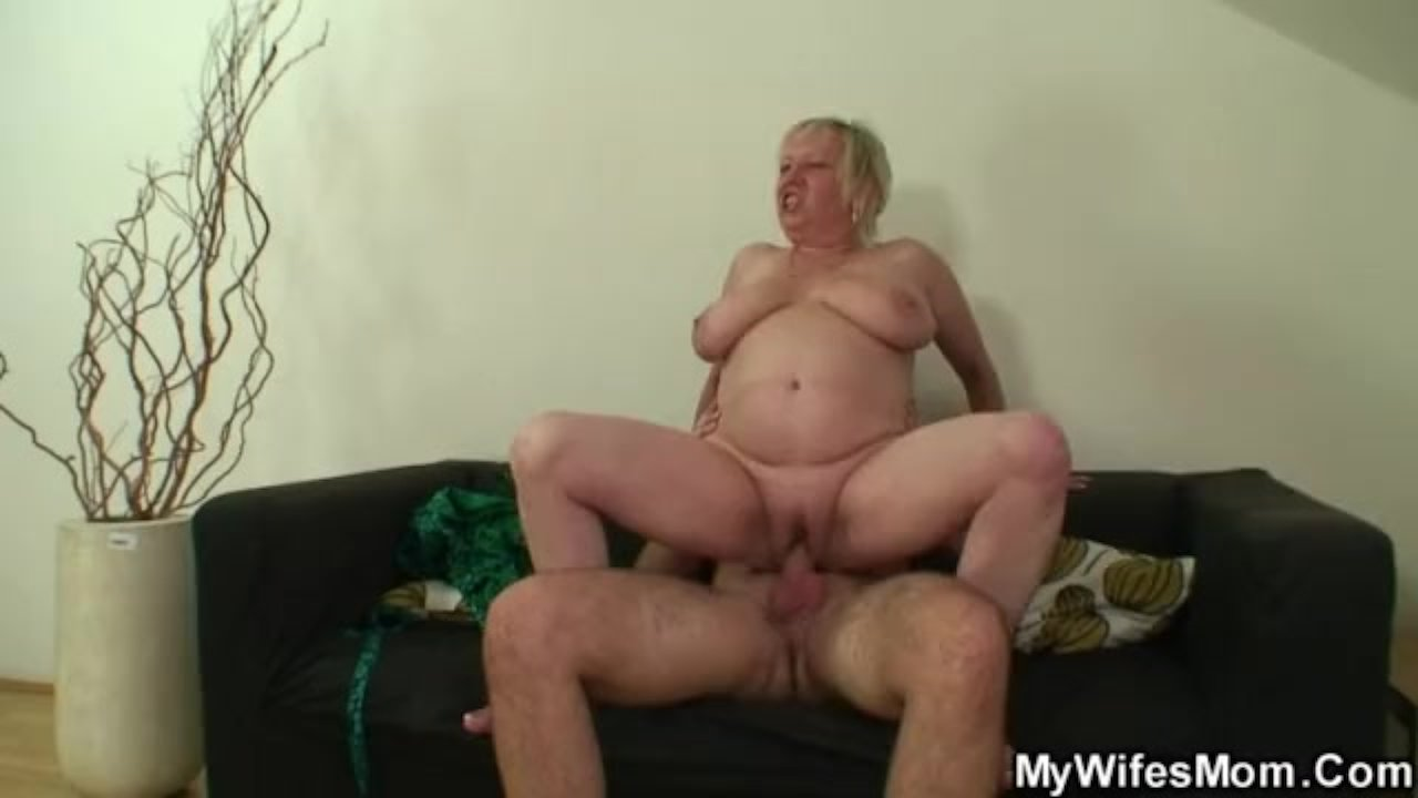 секс зять трахает старую тещу огромным членом - 2