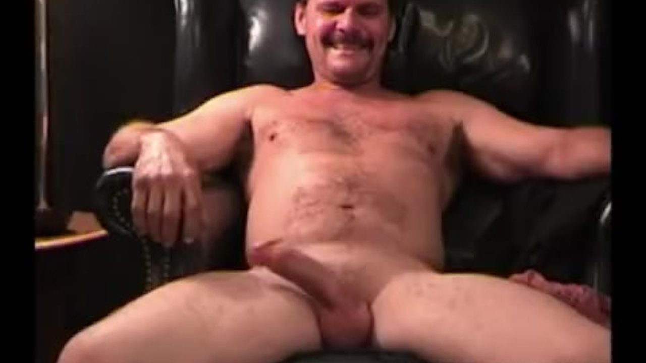 free-jacking-man-mature-off-vids-saggy-titties
