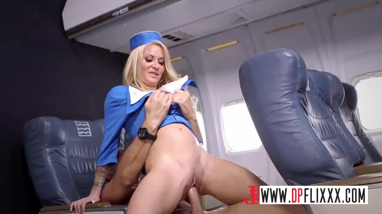 секс в самолете с плохой проводницей каким-либо причинам можете