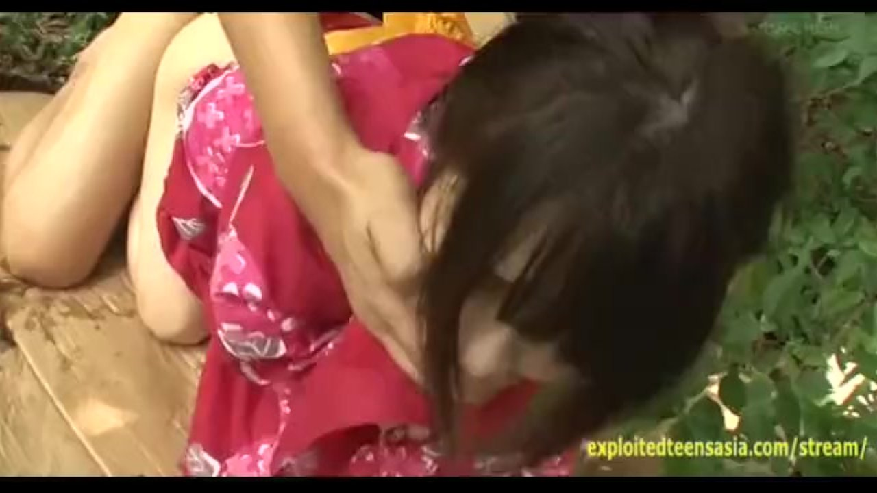 Jav Babe In Traditional Garb Ambushed As She Takes A Pee Rough Sex