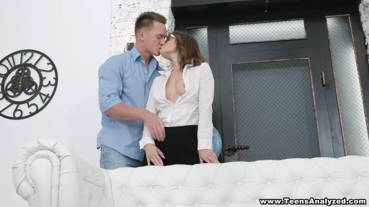 Coed Sex oralny