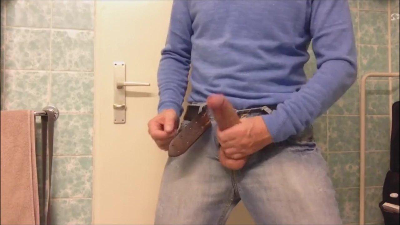 Jeans Bulge