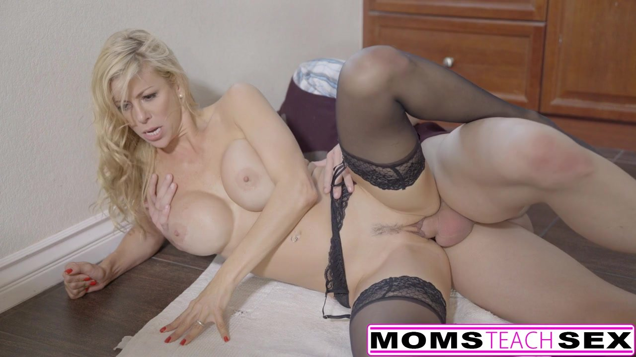 Lucky Son Fucks Step-Mom Lily Rader Then Teen Alexis Fawx