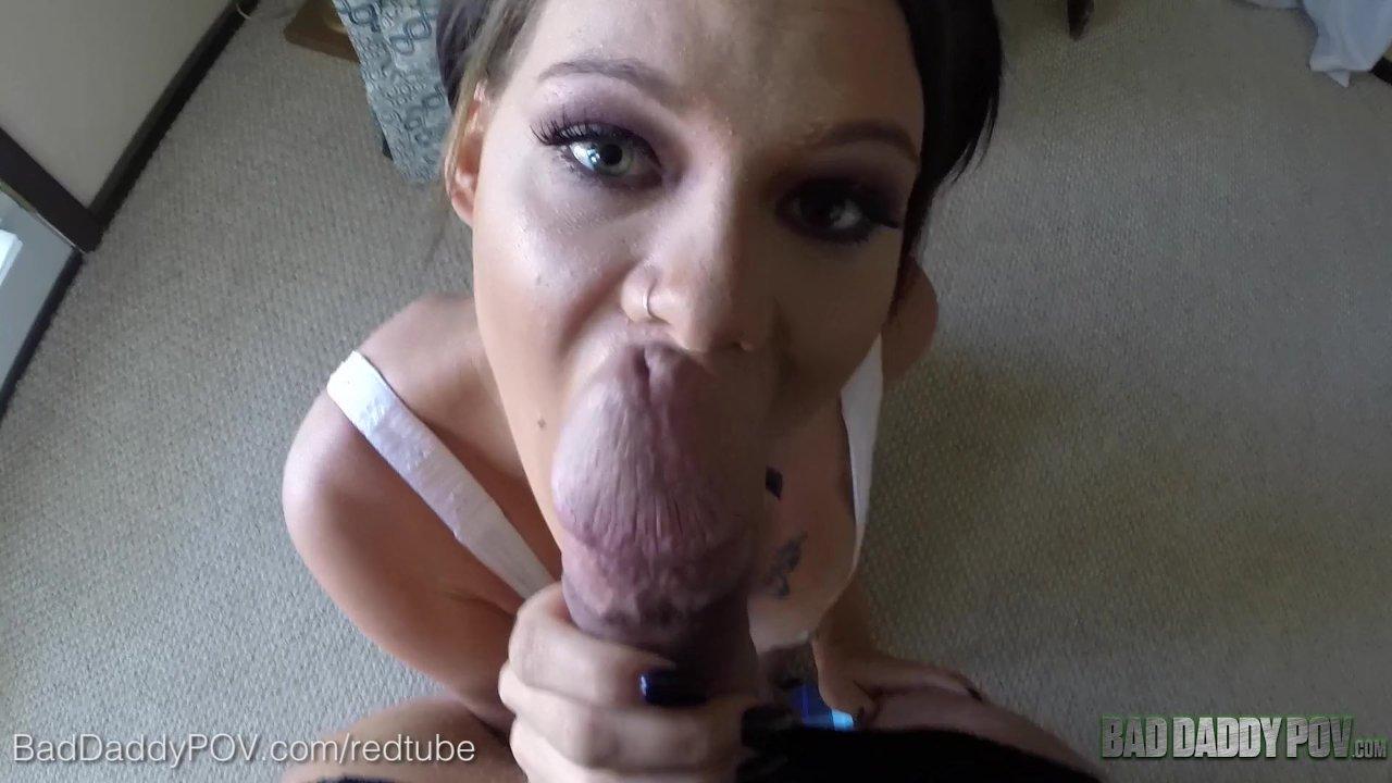 Step Dad Gives Daughter Orgasm