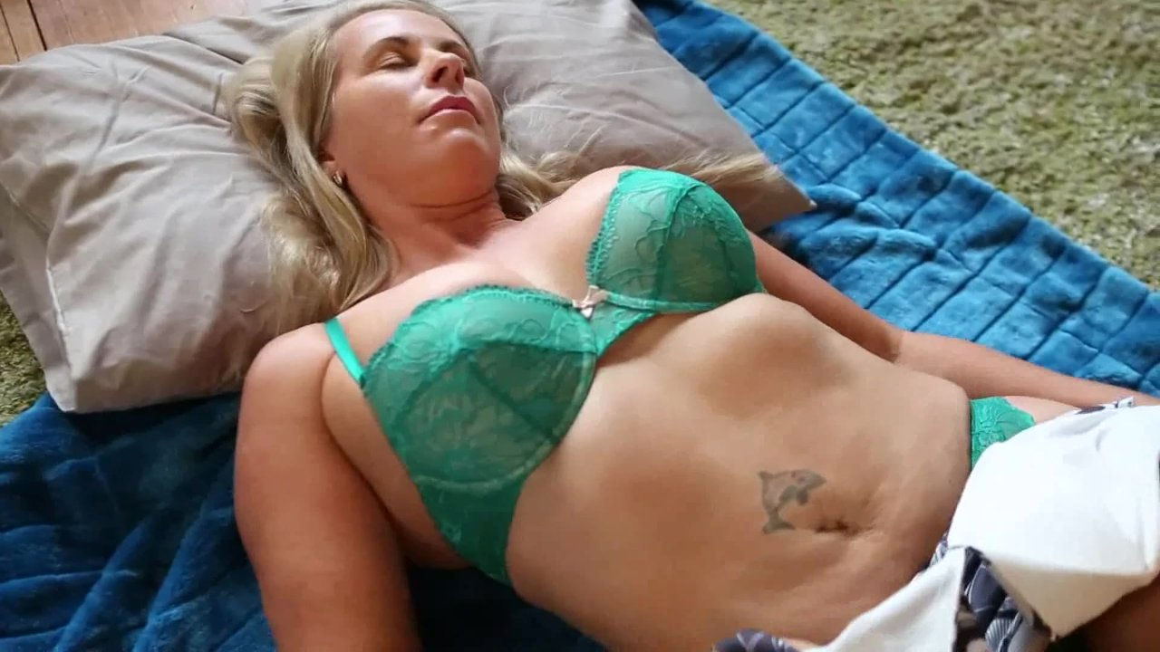 cute busty babe toys her tight pussy