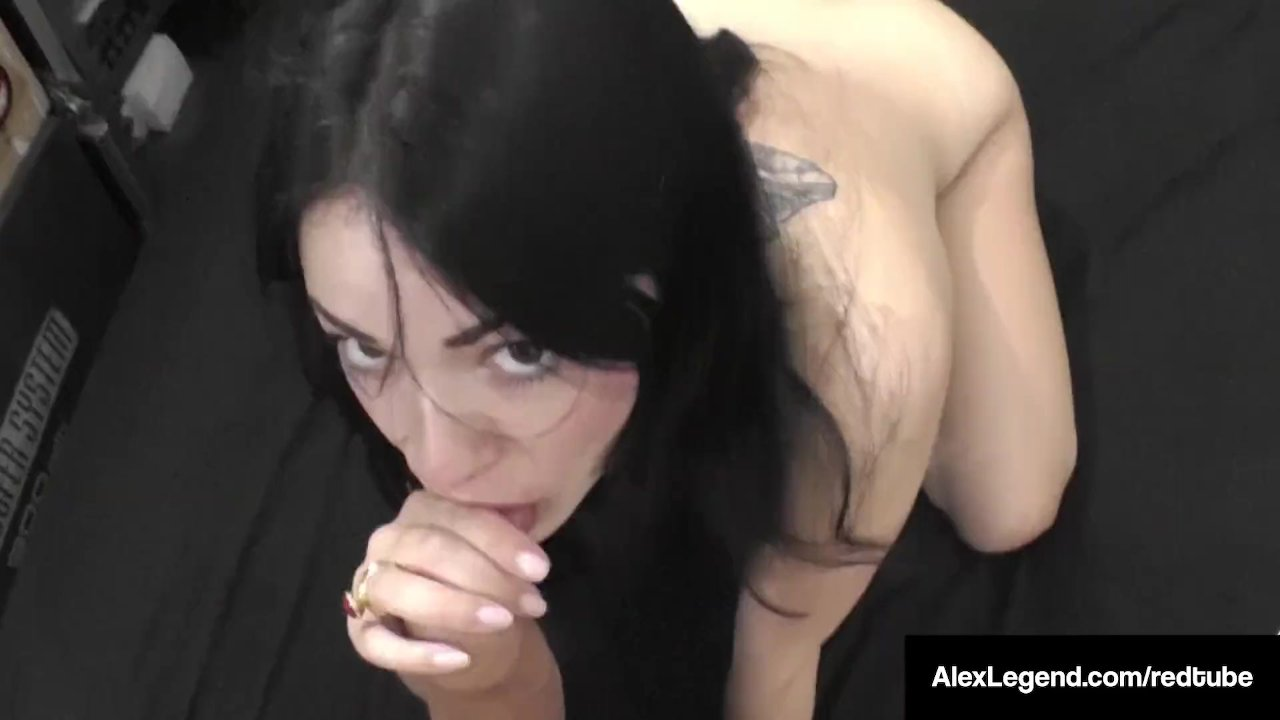 Frenchie Ava Dalush Bangs UK Alex Legend & Cums On Her Feet!