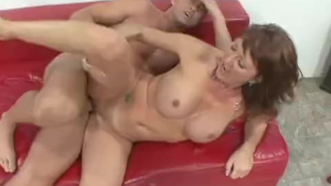 Mature wife Desi Foxx take big fat cock