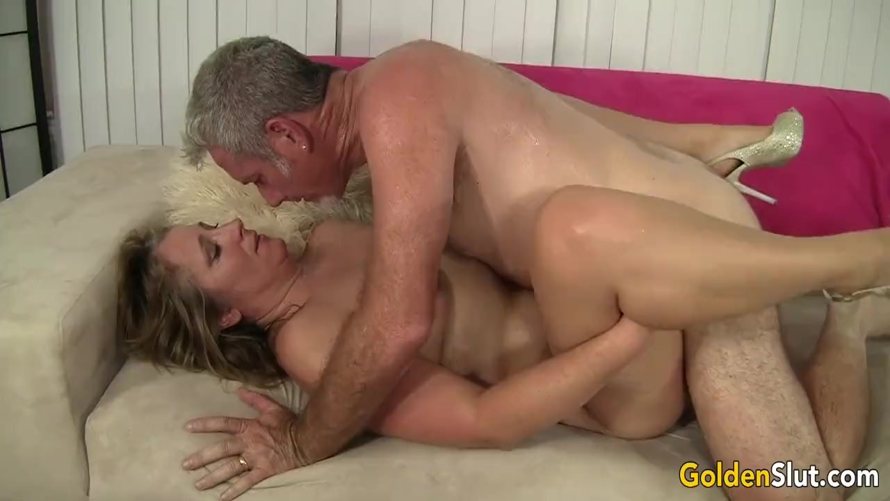 Photos of naked amateur small tit mature women