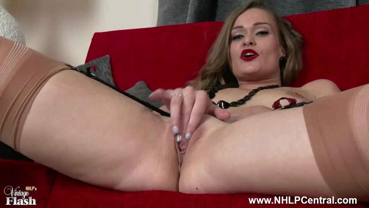 Ebony Slut w Big Tits Squirts on Cam