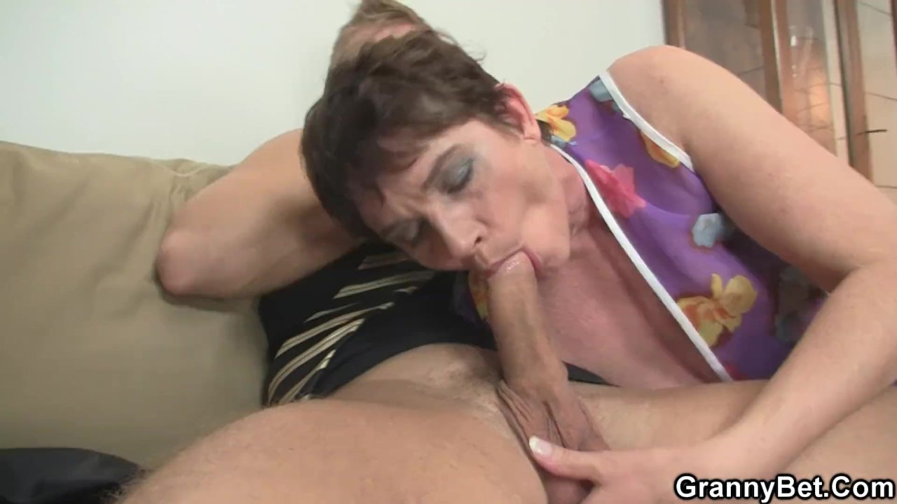 Hot 60 Years Old Woman In Stockings Spreads Legs  Redtube -6691