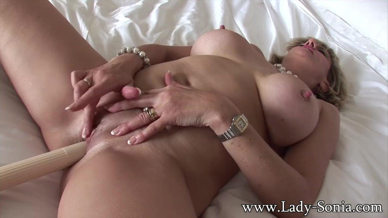 Milf Lady Sonia Fuck Her Pussy And Cum Redtube Gratis-4190