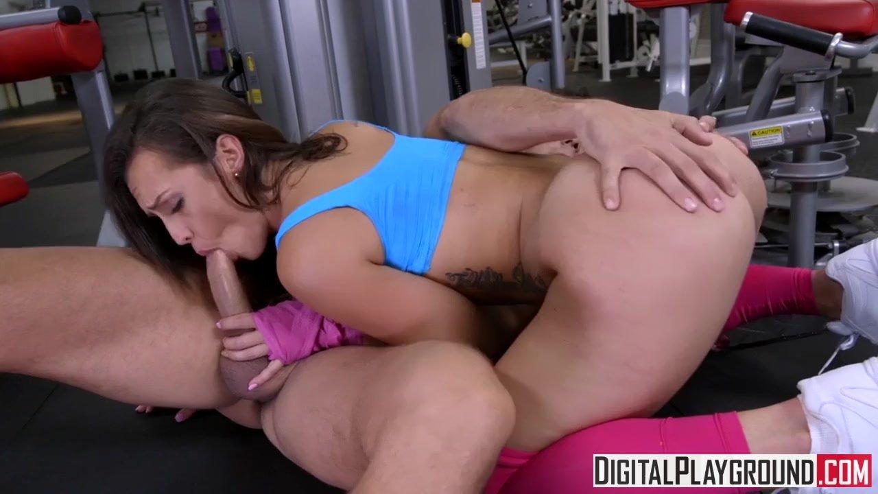 Kelsi monroe gym porn