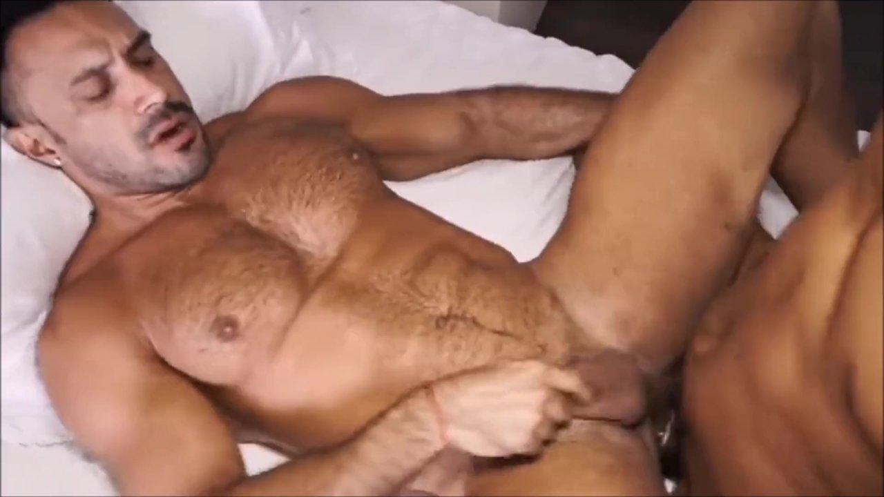 Super sexy young muscle dude kris evans jerking his big dick free naked men big dicks
