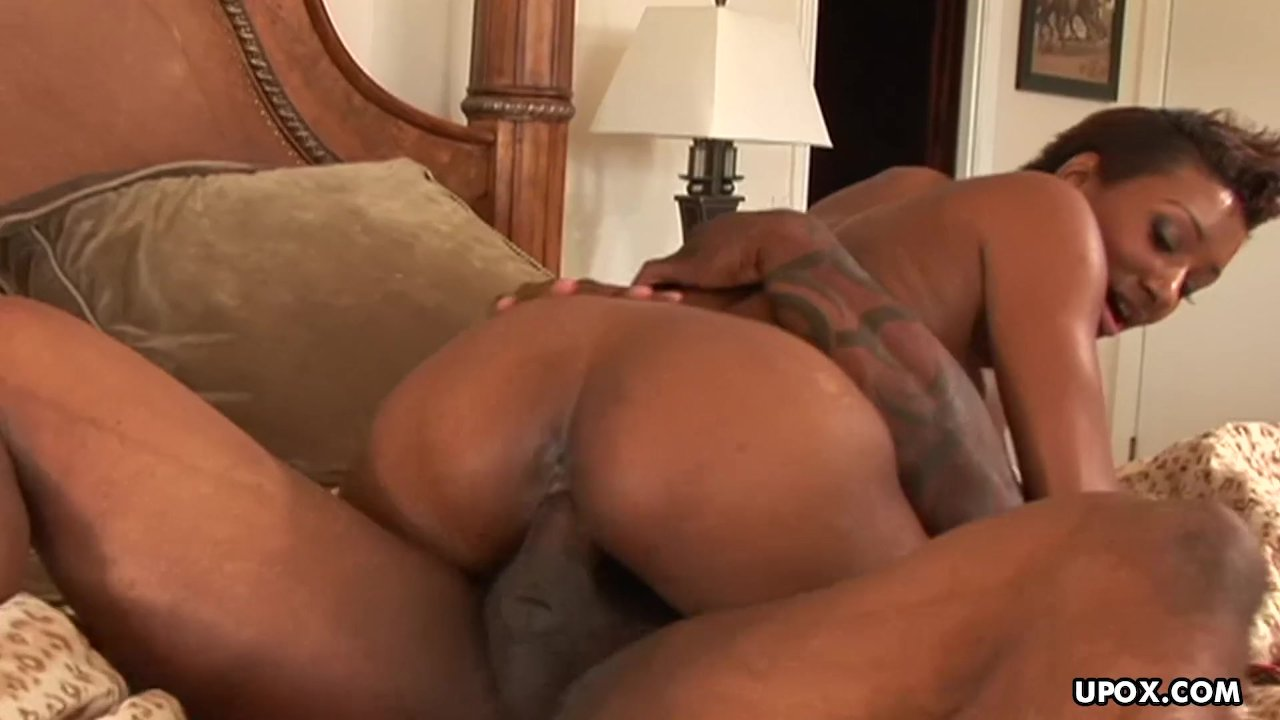 Big boobs black babe rides that fat dick with ease
