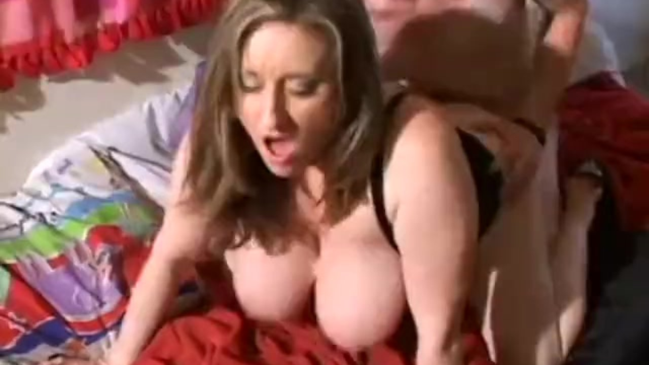 Huge Natural Tits Sucked