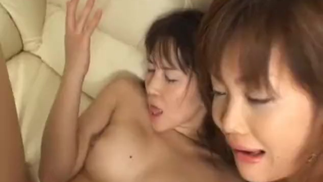 Hardcore oral play along Ai tight pussy
