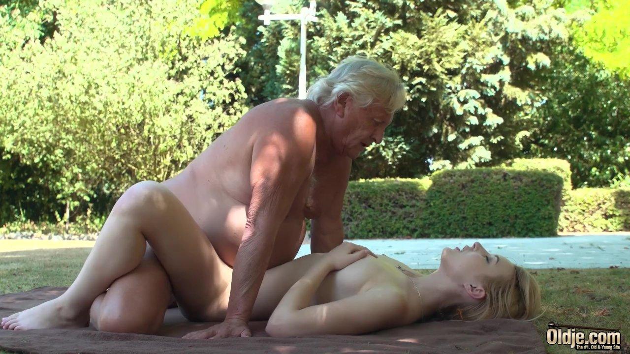 She Ride Grandpa Dick While He Sleeping Free Pics
