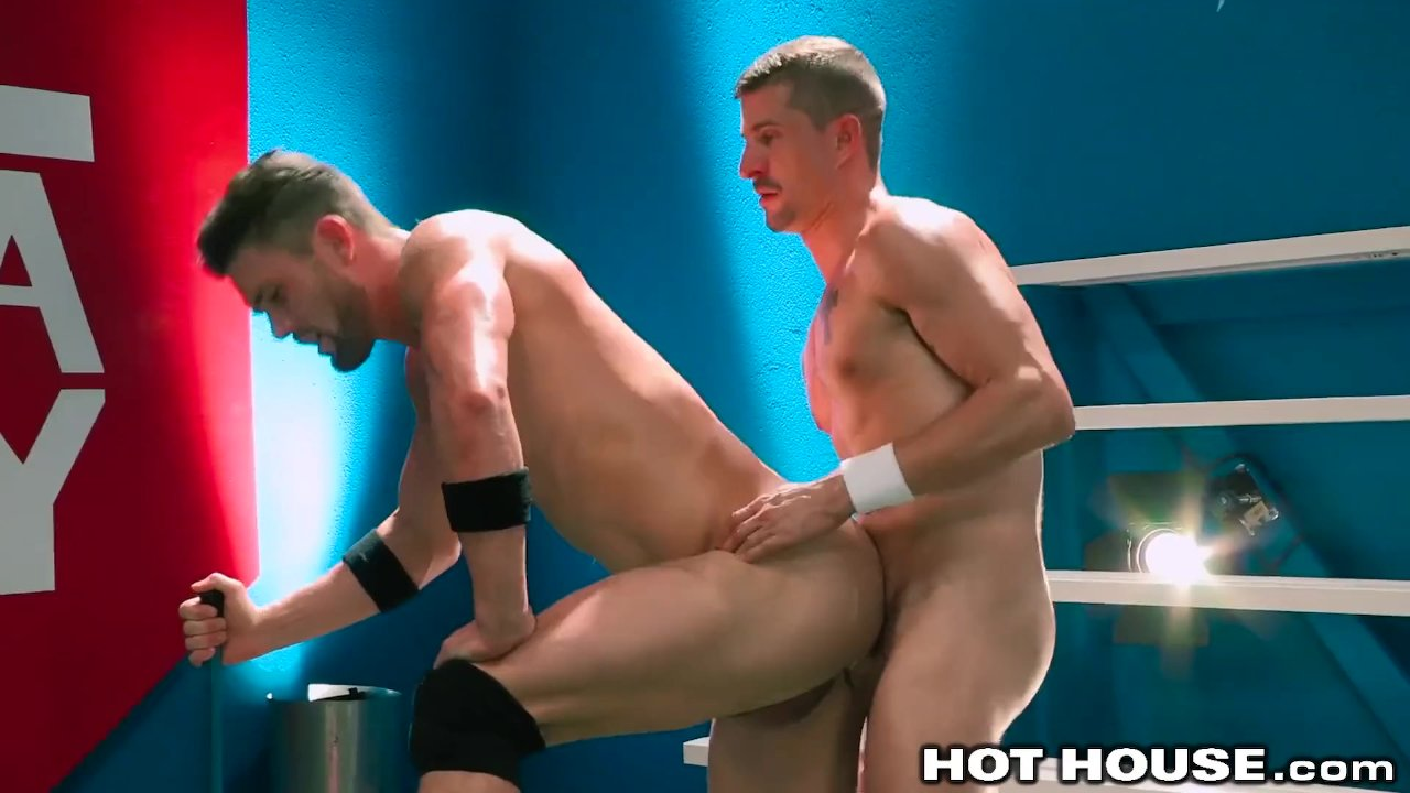 HotHouse Hunk Daddy Ryan Rose Analized By Muscle Jock Friend