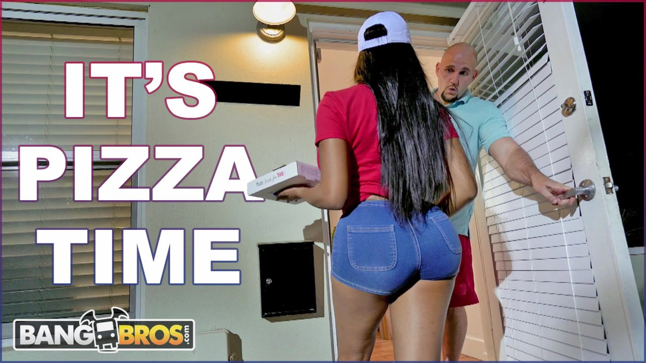 BANGBROS - Black Pizza Delivery Girl Moriah Mills Delivers Her Big Ass    Redtube Free Ebony Porn