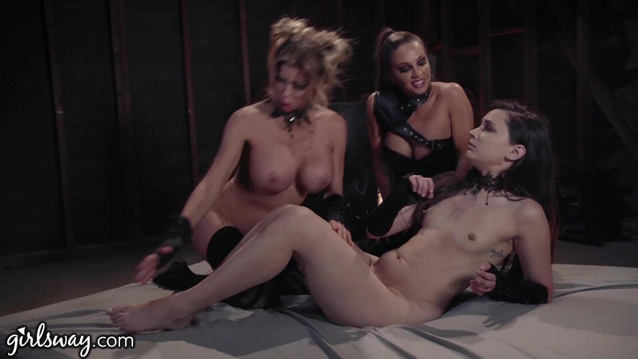 Girlsway Wastelands: Pleasure Bot Alexis Fawx Initiates 3Some!