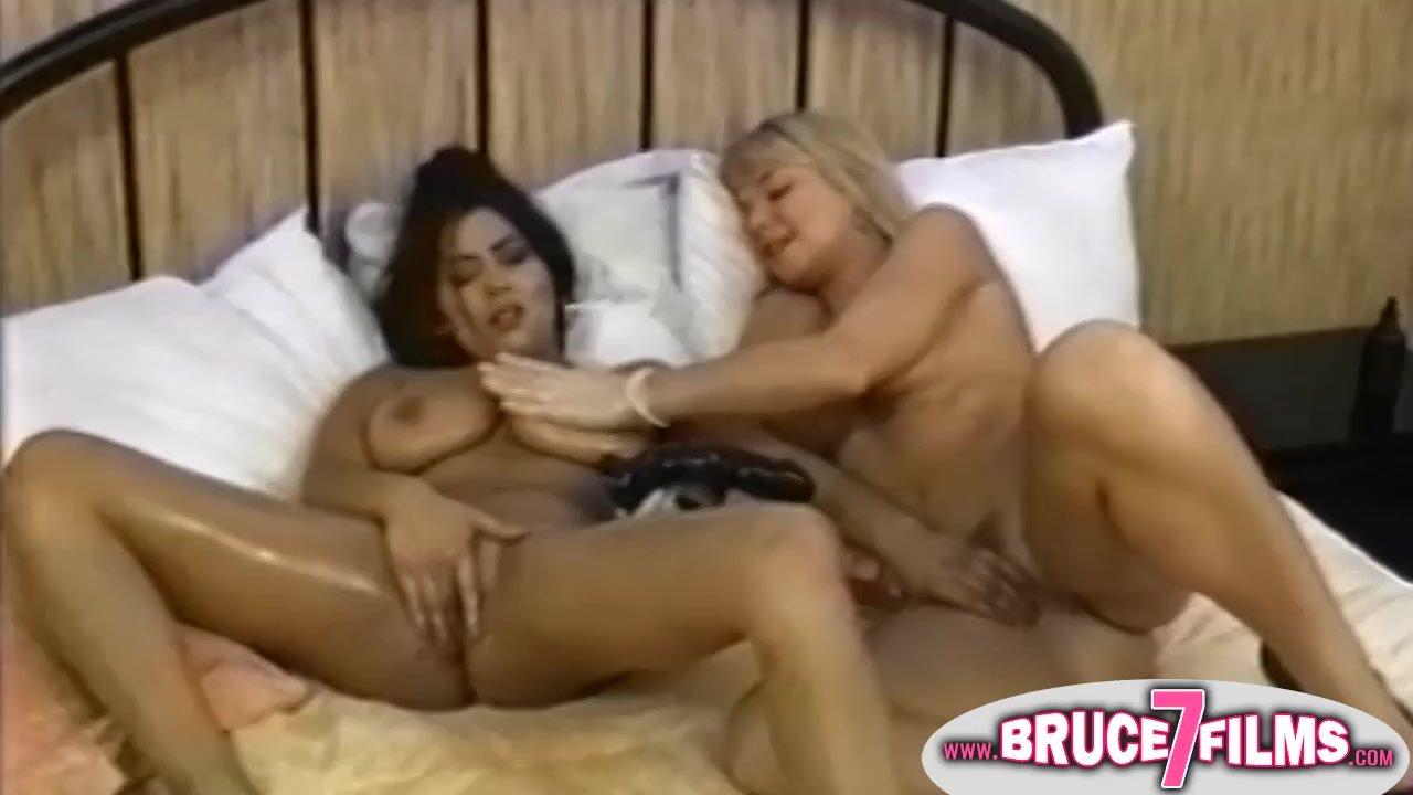 Yanks Lesbians Jessica Sexin And Olivia Saint