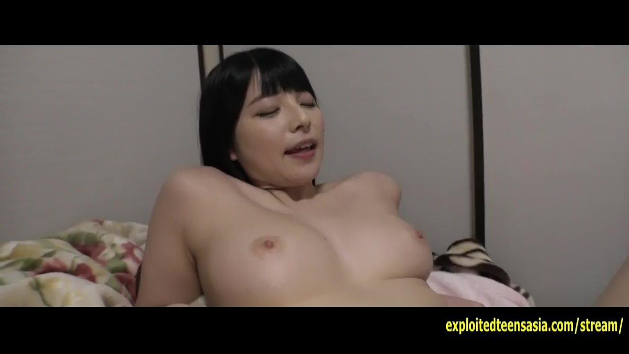 Порно девушка дрочит аж матом ругается секс