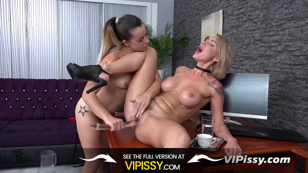 Bitchy boss uses her PA for piss pleasure