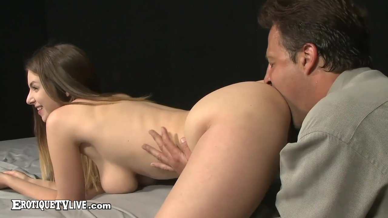 EROTIQUE TV - Euro Babe Stella Cox Drilled By ERIC JOHN Live