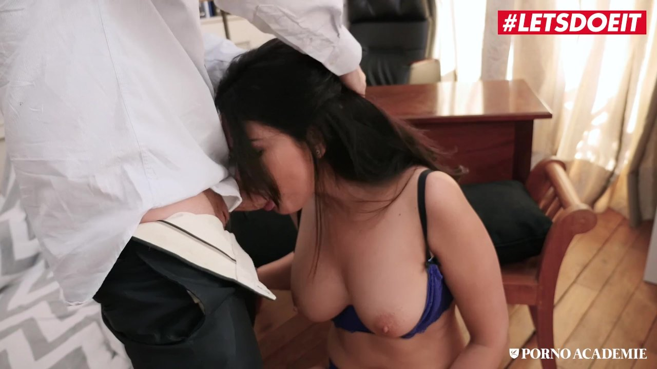 Milf sucks deep and gets rubbed