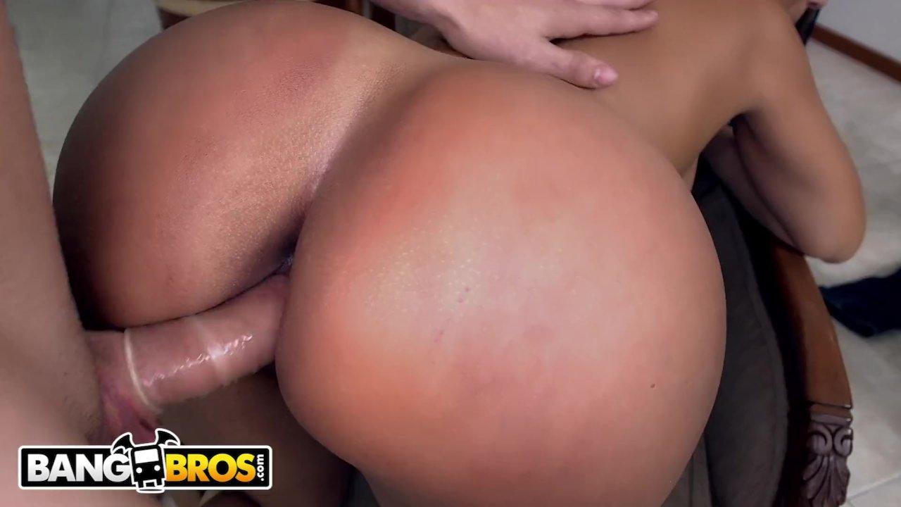 BANGBROS - Latina Maid Casandra Sucks Peter Green's Dick For Cash Mone ...
