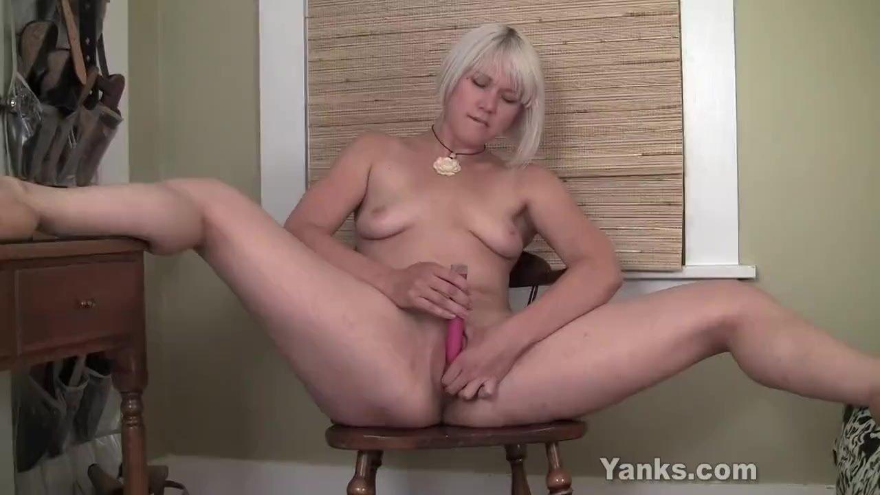 Yanks Blondie Fallon Squirts
