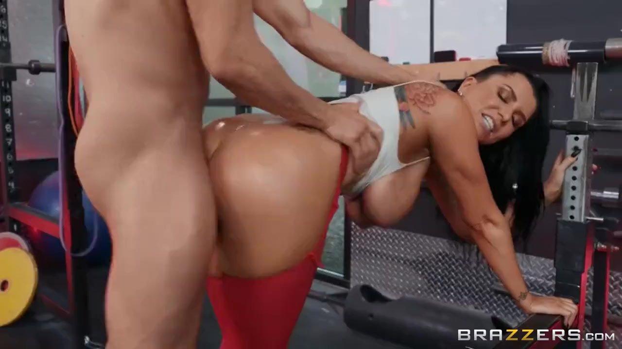 Amy Brooke Deja El Porno spotting her ass