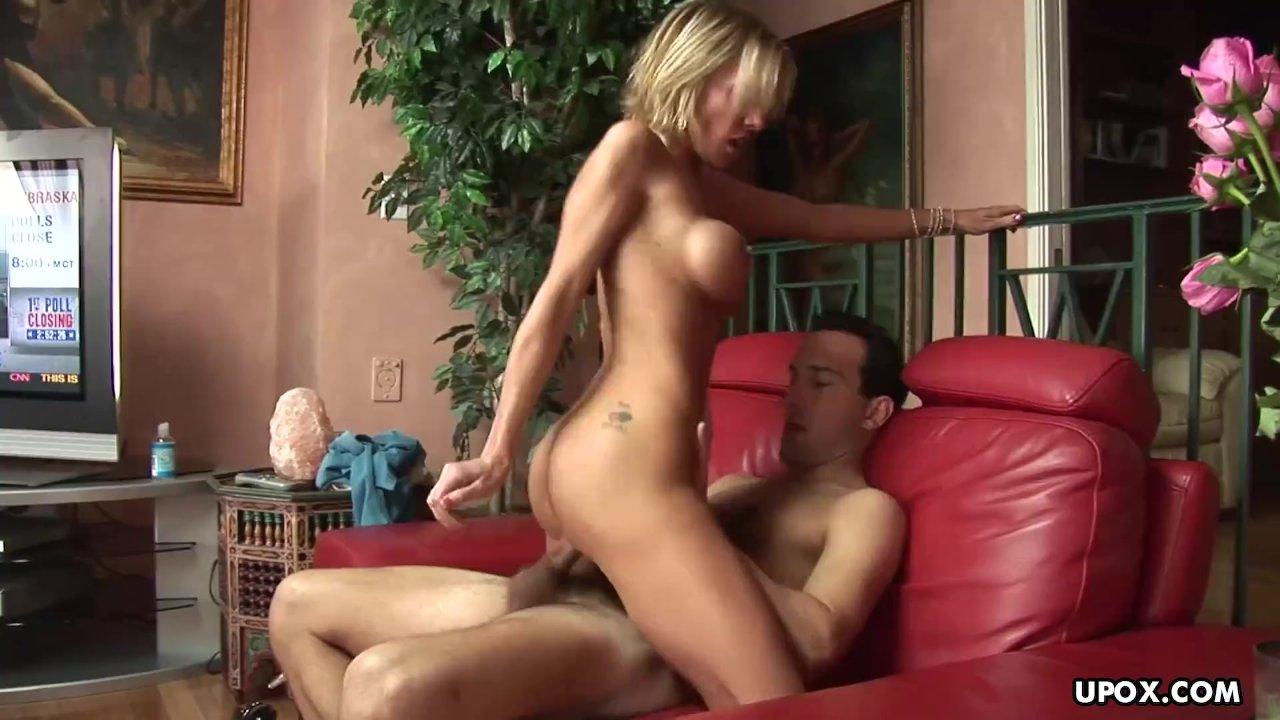 Jordan Sinz really likes to suck cocks and fuck guys