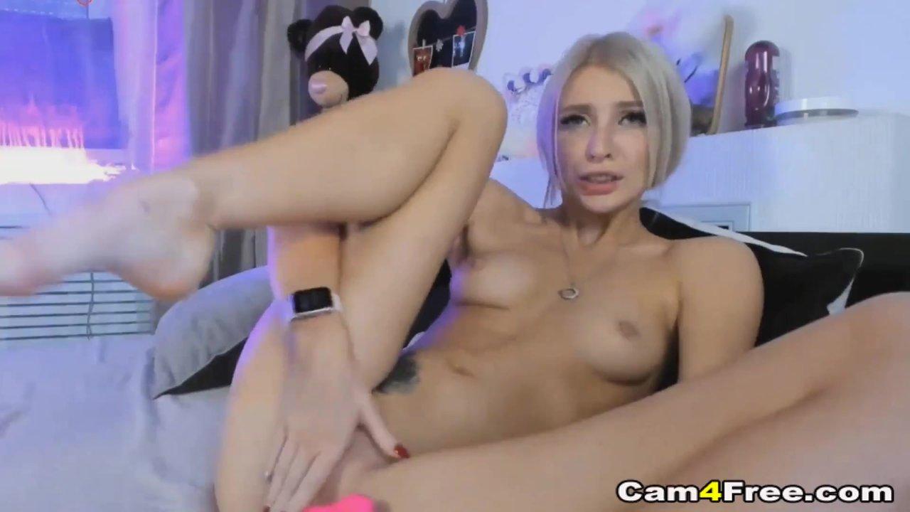 Sweet Blondie Spread Legs And Masturbate