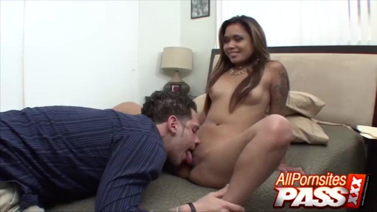 Asian Honey Nipsy Doll Pussy Lick And 69 Blowjobs