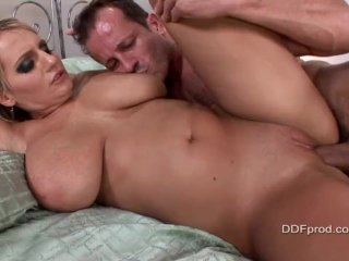 Jannete and her huge tits cry for sperm