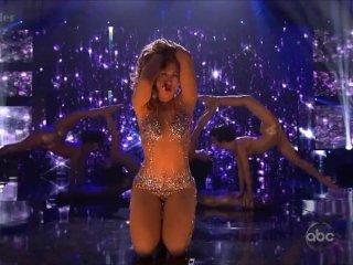 Jennifer Lopez – Bends over