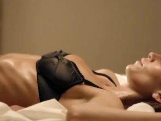 Saralisa Volm – Hotel Desire