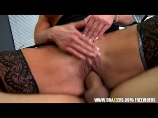 Doctor assistant gets caught fucking patients – brazzers