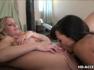 Lisa Annes wild lesbian experience