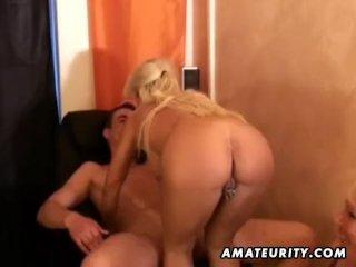 Amateur homemade threesome hardcore action