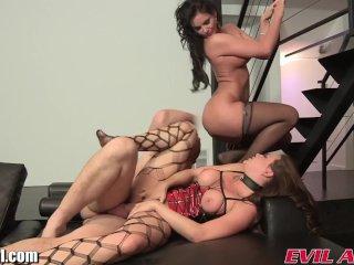 Phoenix Marie anal threesome